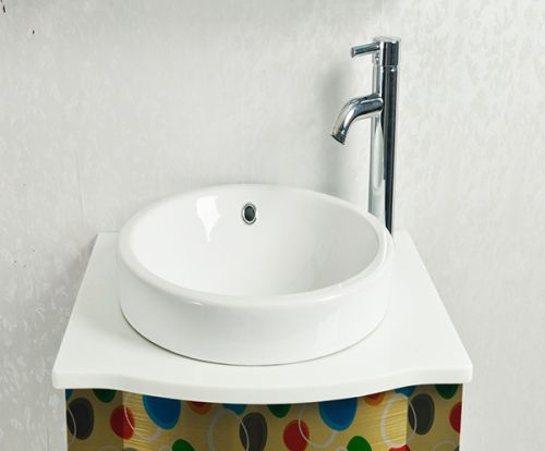 如何挑选不绣钢的浴室柜