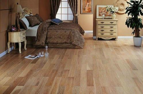 家有老人选择木地板更得仔细