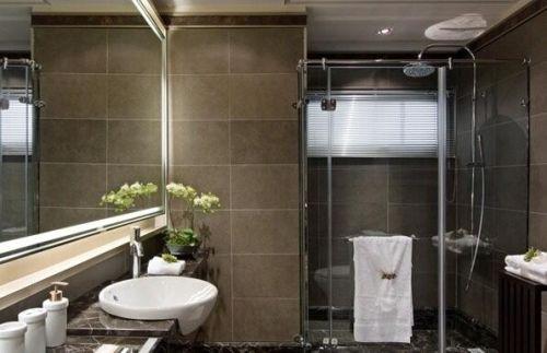 选购卫生间瓷砖,把握质量是关键