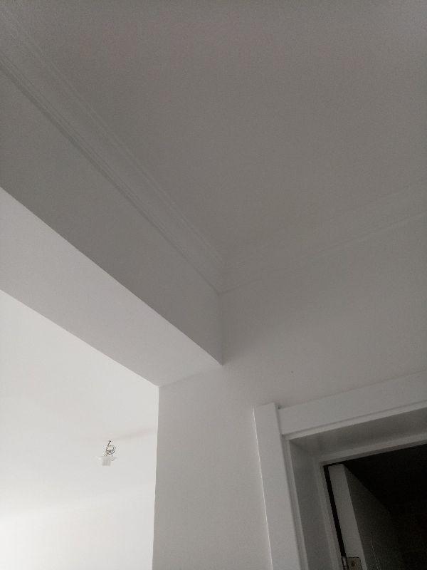 墙顶面处理平整,阴阳角直