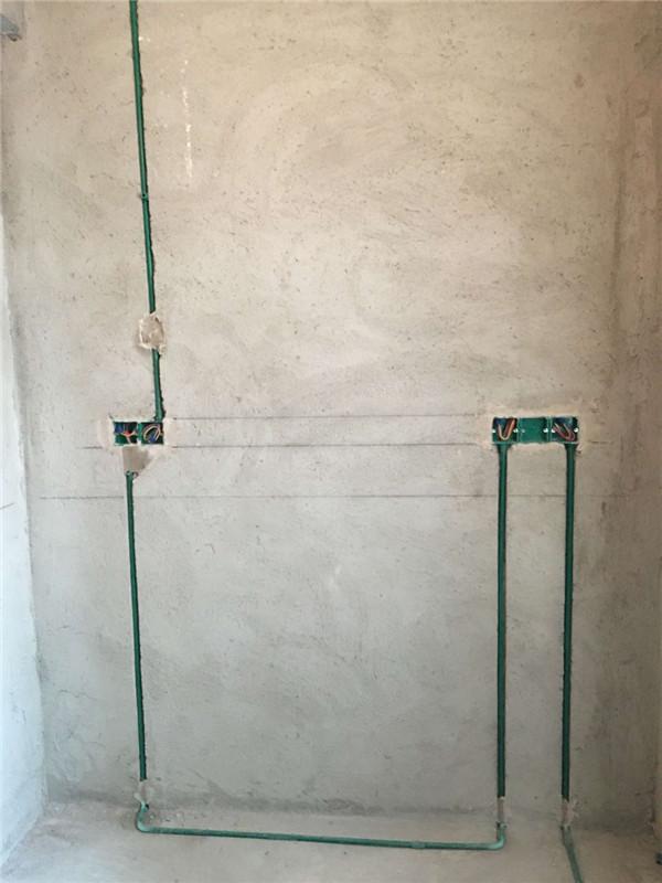 ballbet贝博登陆_鑫界王府三室一厅ballbet贝博网址工地此阶段水电隐蔽工程已经按照公司横平竖直要求做完,电路按照公司分色线作用要求已经完工。符合公司要求规定。