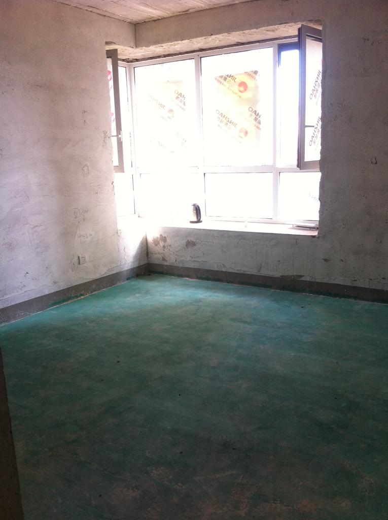 地面地固涂刷正确,材料摆放整齐,入户门保护完好,材料都是今朝专用。