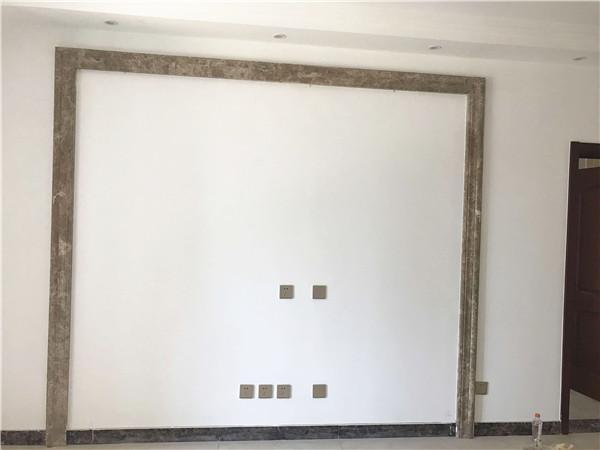 墙面光滑,无留坠现象,各个阴阳角处理顺直,无沙眼,平整度很到位。